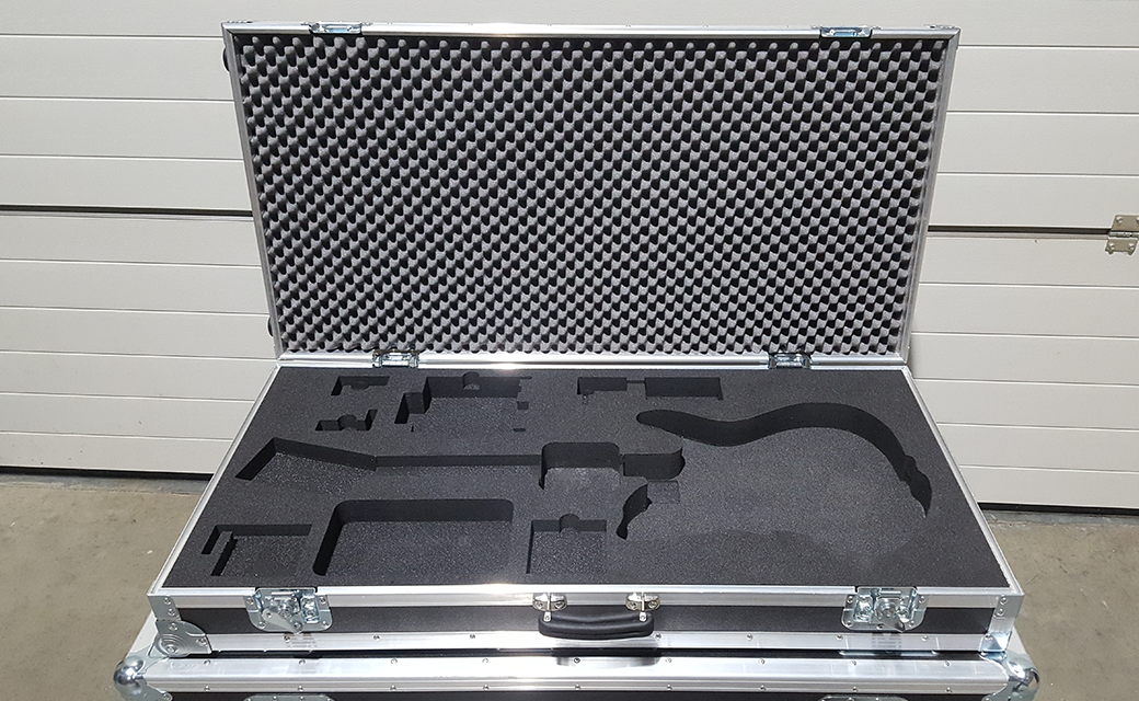 Guitar case met inlay
